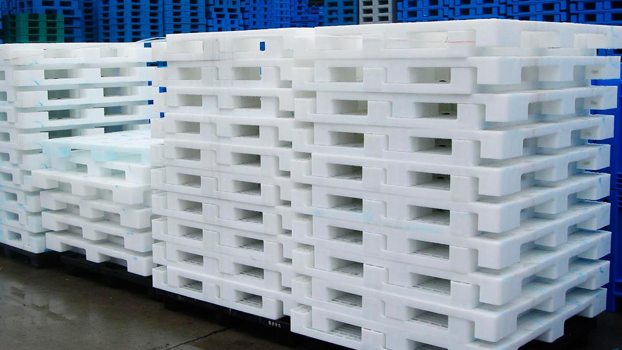 Особенности производства пластиковых поддонов